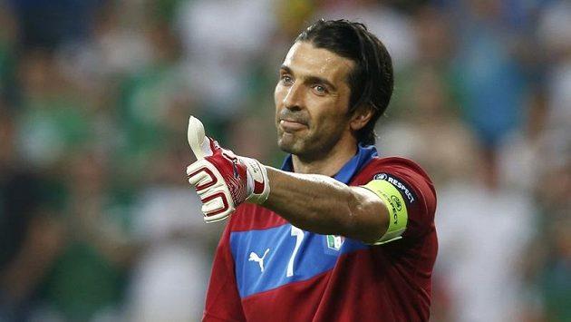"""""""Španělé, díky,"""" jako kdyby říkal italský brankář Gianluigi Buffon."""