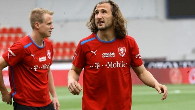 Petr Jiráček a David Limberský na tréninku české fotbalové reprezentace