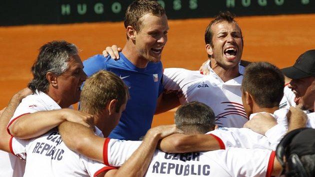 Oslava. Český daviscupový tým postoupil do finále Davis Cupu.