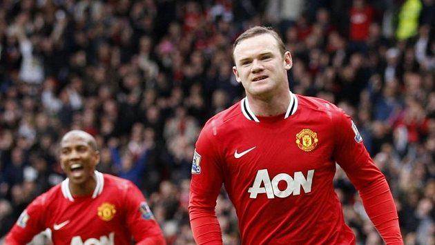 Útočník Manchesteru United Wayne Rooney se raduje z branky.