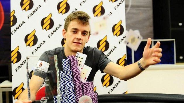Hlavní turnaj celého pokerového festivalu v Pardubicích režírovali polští sportovci. Obsadili první dvě místa. Na nás zbylo až místo třetí.