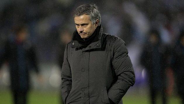 Zklamaný kouč Realu José Mourinho po porážce na stadiónu Celty Vigo.
