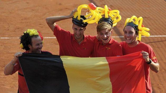 Radost belgických daviscupových hráčů. Zleva Olivier Rochus, Ruben Bemelmans, David Goffin a Steve Darcis.