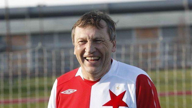 Trenér Miroslav Beránek v dresu Slavie při Silvestrovském derby.