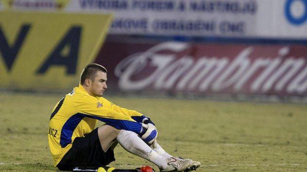 Zklamaný brankář Baníku David Pietrzkiewicz po skončení zápasu s Jabloncem.