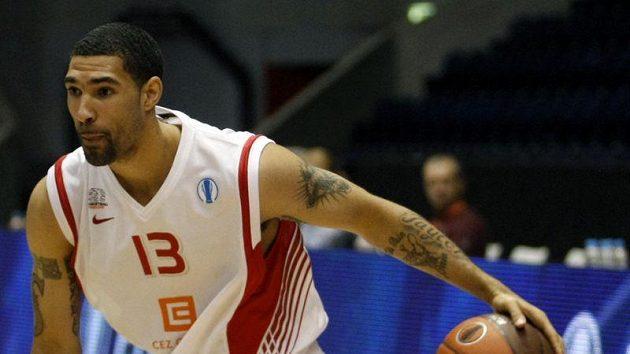 Basketbalista Nymburka Chester Tre Simmons