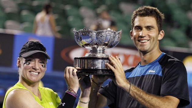 Rumunský tenista Horia Tecau a Američanka Bethanie Matteková-Sandsová vyhráli na Australian Open smíšenou čtyřhru.