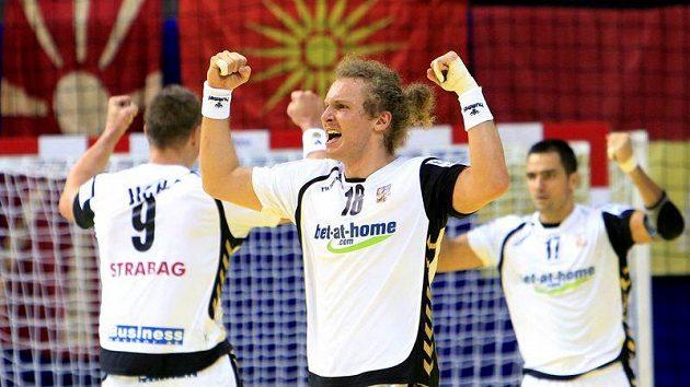 Čeští házenkáři se radují z vítězství
