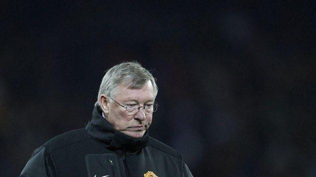 Kouč United Alex Ferguson neměl i přes postup důvod k úsměvu.