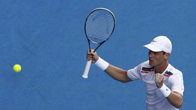 Tomáš Berdych se raduje z postupu přes Španěla Almagra do čtvrtfinále Australian Open.