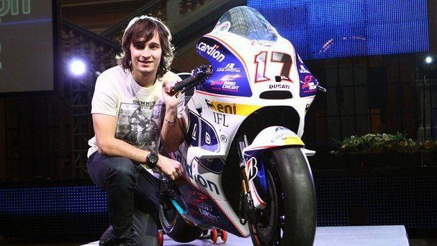 Český motocyklista Karel Abraham se strojem Ducati.