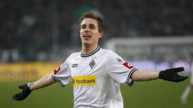 Herrmann z Borussie Mönchengladbach slaví gól do sítě BAyernu Mnichov.