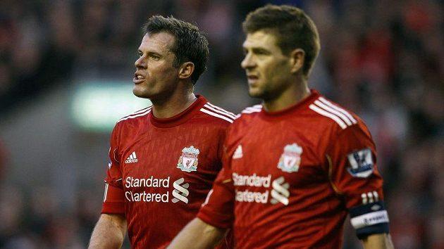 Fotbalisté Liverpoolu Jamie Carragher (vlevo) a Steven Gerrard