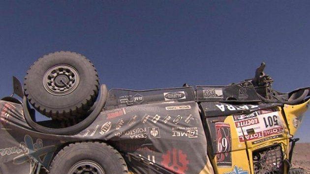 Nehoda Aleše Lopraise na Dakaru.