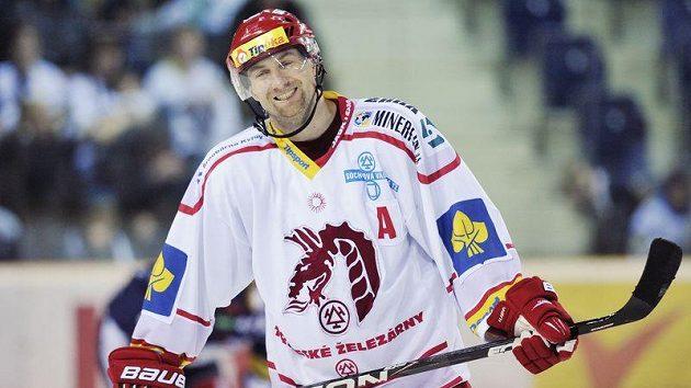 K tisícímu utkání v extralize nastoupil útočník Třince Jan Peterek.