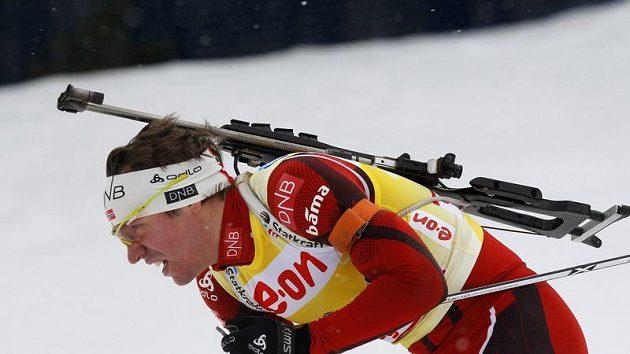 Norský biatlonista Emil Hegle Svendsen při sprinterském závodu SP v Novém Městě na Moravě.