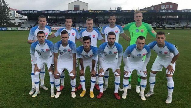 Slovenská fotbalové reprezentace do 21 let na Islandu.