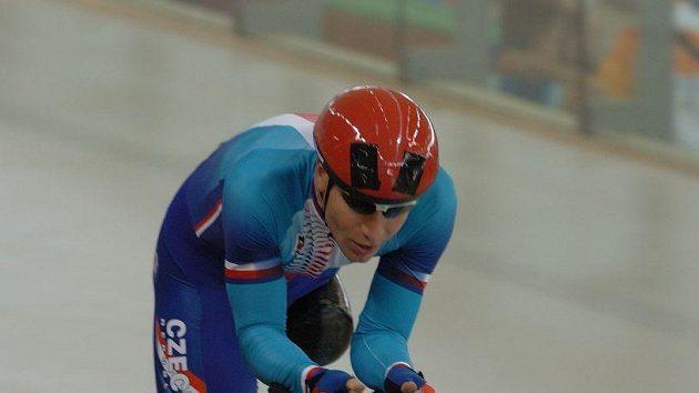 Michal Stark ve stíhacím závodě na paralympiádě vAténách.