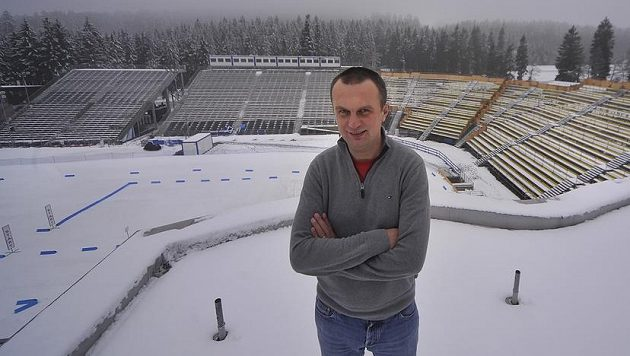 Prezident Českého svazu biatlonu Jiří Hamza ve Vysočina aréně v Novém Městě na Moravě před závodem Světového poháru.