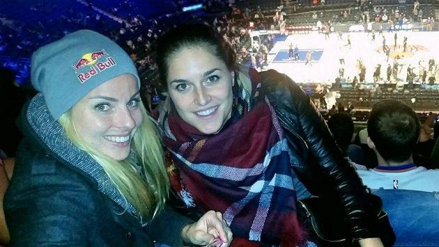 Při pobytu v New Yorku vyrazily Markéta Sluková (vlevo) a Barbora Hermannová i na basketbalovou NBA.