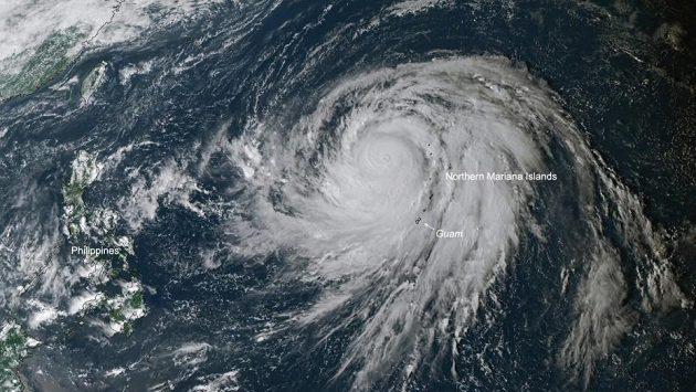 Tajfun, který udeří na Japonsko, ovlivní i program formule 1.