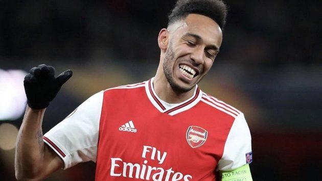 Fotbalový útočník a kapitán Arsenalu Pierre-Emerick Aubameyang by v létě mohl měnit dres, o jeho odchodu se spekuluje téměř celou sezonu.