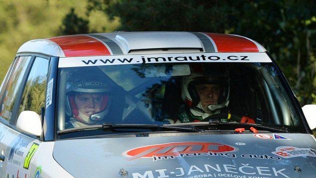 Posádka Jiří Máša (vpravo) a Jan Jinderle jr. při Rallye Příbram.