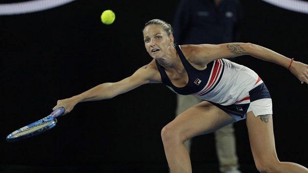Tenistka Karolína Plíšková během utkání proti Barboře Strýcové.