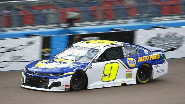 Novým šampionem prestižní automobilové série NASCAR je čtyřiadvacetiletý Chase Elliott.
