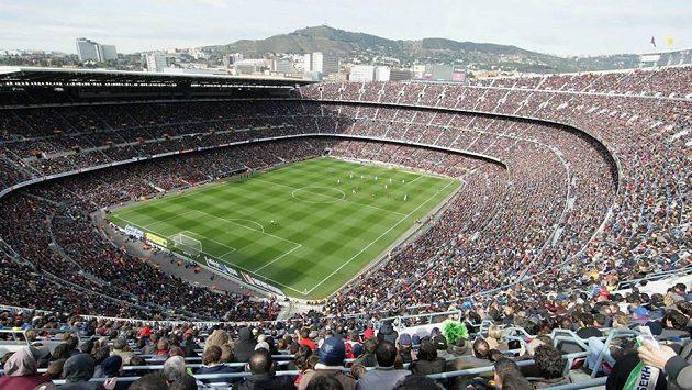 Současná podoba největšího evropského fotbalového stadiónu Camp Nou v Barceloně.