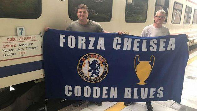 Dva angličtí fanoušci Chelsea vyrazili na osmidenní cestu na finále Evropské ligy do Ázerbájdžánského Baku.