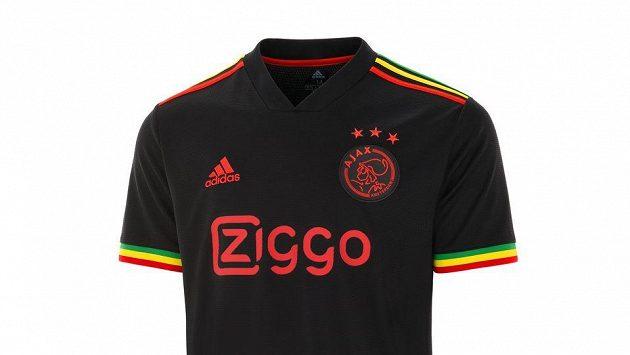 Z třetí sady dresů Ajaxu se stal hit.