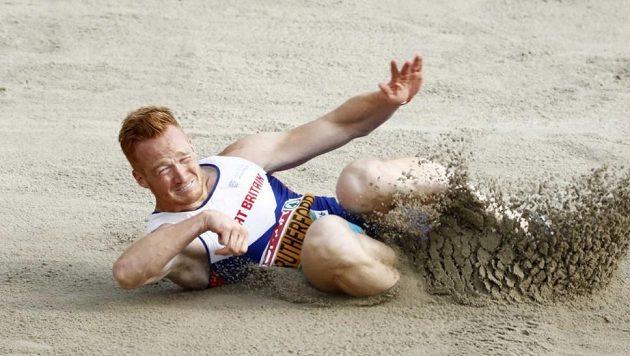 Olympijský vítěz ve skoku do dálky z Londýna 2012 a bronzový olympijský medailista z Ria 2016 Greg Rutherford se dostal do britské reprezentace bobistů. Ve čtyřbobu bude bojovat o účast a úspěch na zimních olympijských hrách 2022 v Pekingu.