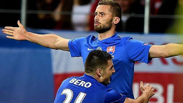 Fotbalisté Slovenska vyhráli na ME hráčů do 21 let nad Švédskem a jsou dál ve hře o postup