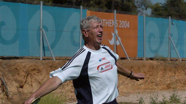 Milan Kubala při tréninku na svůj vítězný hod