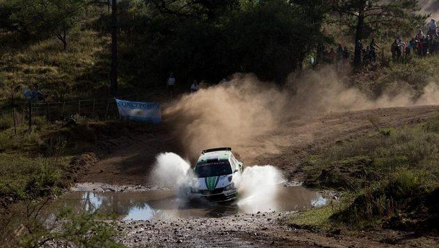 Švédský závodník Pontus Tidemand z továrního týmu Škoda Motorsport s Fabií R5 na trati Argentinské rallye. Ilustrační snímek.