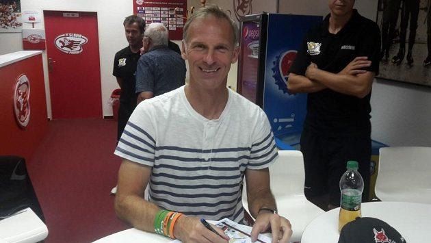 Bývalý gólman Dominik Hašek na archivním snímku.