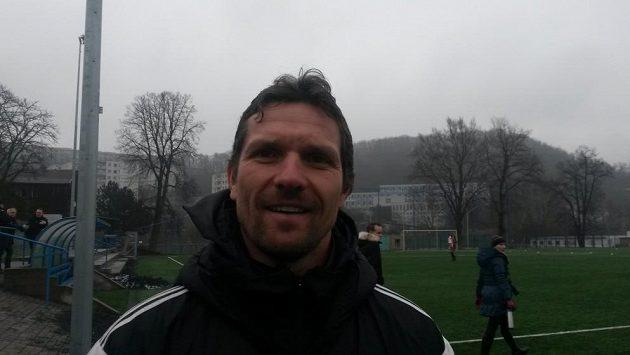 Trenér fotbalistů Dukly Jaroslav Hynek.