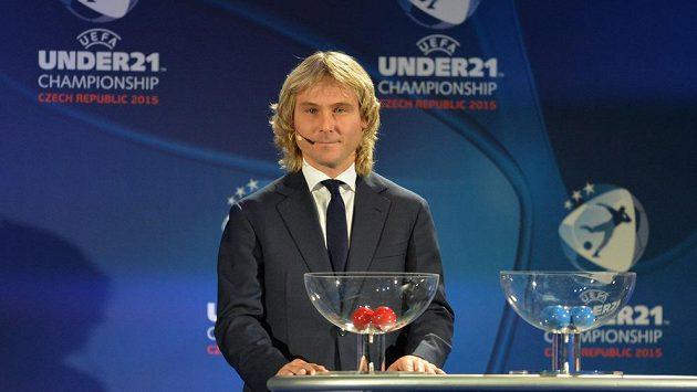 Pavel Nedvěd vylosoval českým fotbalistům do skupiny Německo, Dánsko a Srbsko.