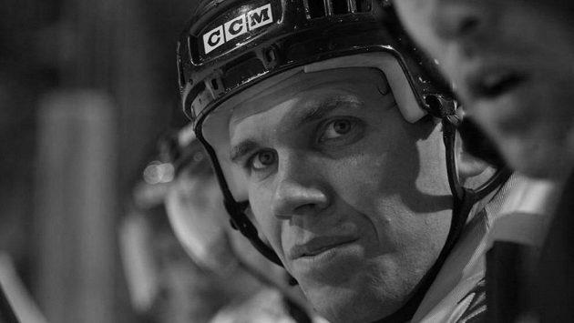 V 48 letech zemřel bývalý kapitán hokejistů Nashvillu Greg Johnson.