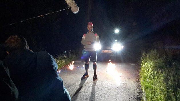 Fast Foot - Kdo se bojí běhat v noci, nesmí do lesa. Bez zápalek, benzínu a televizních kamer.
