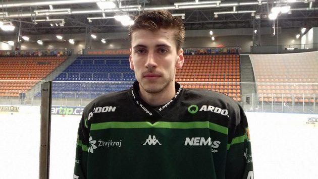 Hokejista Michal Plutnar je v Karlových Varech spokojený, bude s nimi bojovat o extraligu.