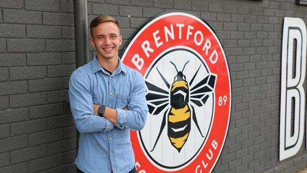 Osmnáctiletý záložník Matěj Majka odešel jako volný hráč z pražské Sparty do druholigového anglického Brentfordu.