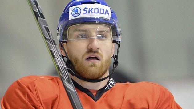 Obránce Jakub Nakládal na tréninku české hokejové reprezentace v pražských Letňanech.