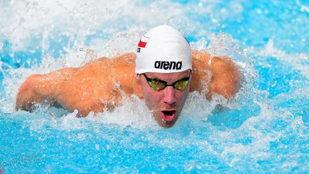 Plavec Jan Šefl při polohovém závodu na 100 metrů na ME v Glasgow. Ilustrační foto.