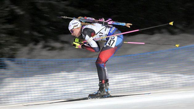 Markéta Davidová při sprintu ve SP v německém Oberhofu.