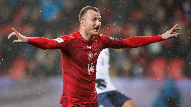 Michael Krmenčík oslavuje gól na 1:0 během utkání kvalifikace MS 2018 s Norskem.