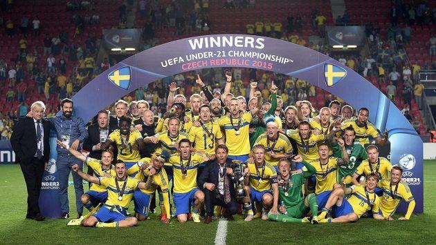 Ani fotbalová reprezentace Švédska, která slavilav pražském Edenu titul mistrů Evropy, nebude na OH chybět.