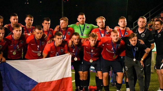 Stříbrný český tým do 23 let.