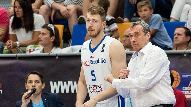 Trenér Ronen Ginzburg a Patrik Auda.